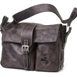 Shoulder bag with flap. UnisexArt. 138 Indy collectioncm 32x24x11